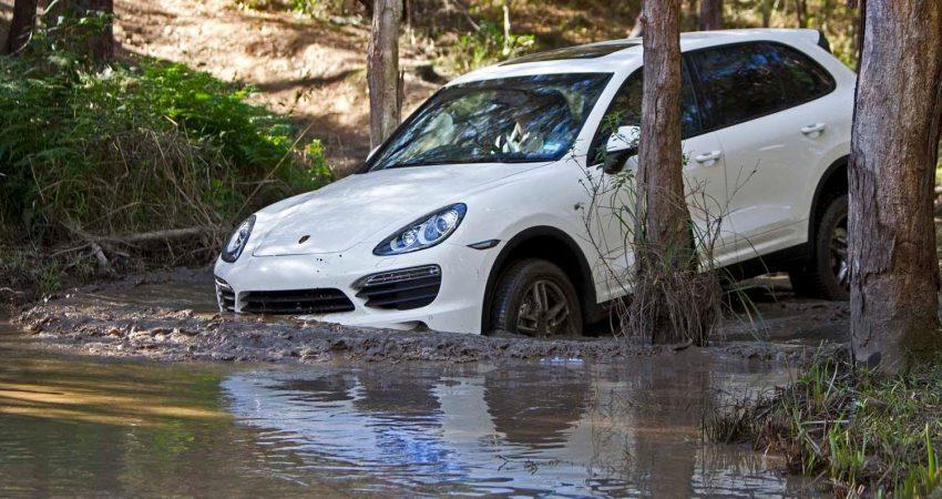 Dynamischer Launch Porsche Cayenne